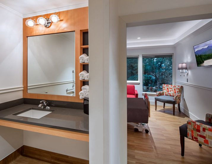 Columbia Lutheran hospice suite bath